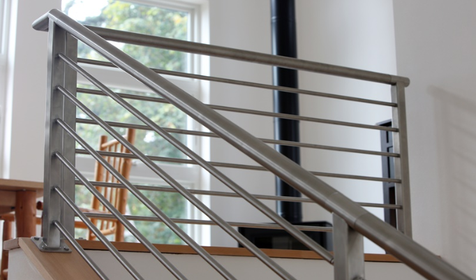 Jual Railing Tangga Stainless - Lukman.co.id